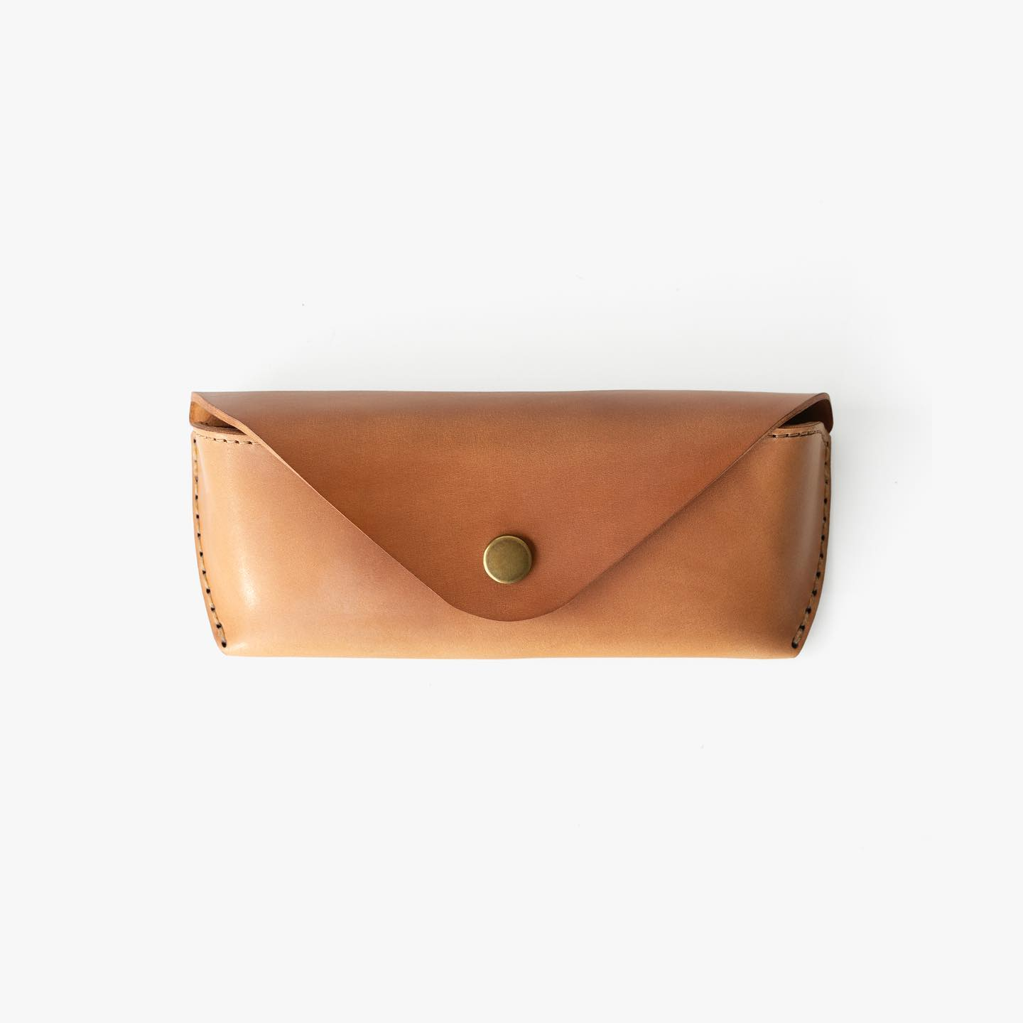 @wjandco asked us to make a full Natural @horweenleather Shell Cordovan Eyewear Case. It came out beautifully so we have added it to our site. Link in profile. #makrstudio #makrjournal #horweenleather #horween #horweenshellcordovan